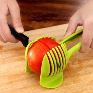 כלי נוח לחיתוך עגבניה ועוד