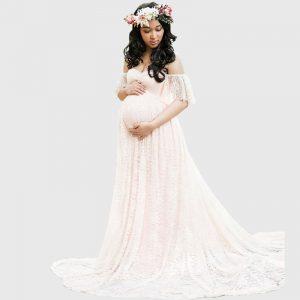 צילומי הריון שמלת תחרה יפה